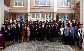 Anadolu Üniversitesi Lefkoşa Kampüsü'nde mezuniyet coşkusu
