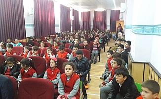 Derebucak'ta yazar öğrenci buluşması