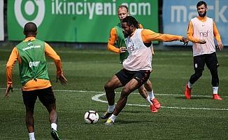 Galatasaray derbiye liderlik için çıkıyor