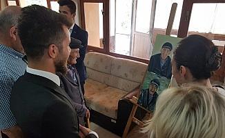 Huzurevi sakinlerinin portrelerinden oluşan sergi açıldı