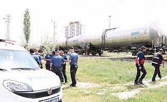 Niğde'de trenin çarptığı kadın öldü