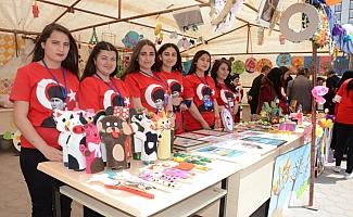 Sarıkaya'da öğrenciler yıl sonu sergisi açtı
