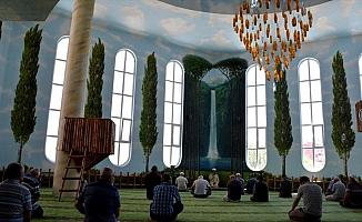 'Şelaleli cami'ye ramazan ilgisi