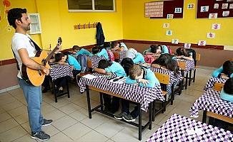 'Teacherman' ile İngilizce öğrenmek 'çocuk işi'