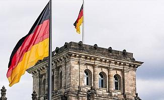 Almanya'da ilk kez vatandaş olmayan aday büyükşehir belediye başkanı oldu