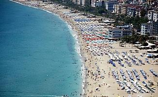 Antalya nüfusunun iki katı turist ağırladı