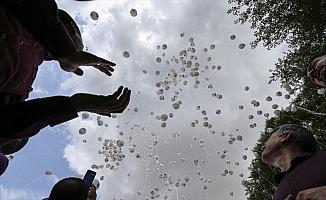 Balonlar gökyüzüne İdlib için bırakıldı