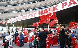 CHP'de ilk sonuçlar sevinçle karşılandı