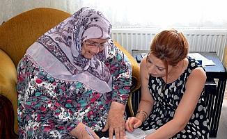 Dicle EDAŞ hasta ve yaşlılara evlerinde hizmet veriyor