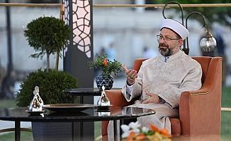 Diyanet İşleri Başkanı Erbaş son iftarda Diyanet TV'ye konuk oldu