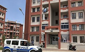 Dördüncü kattan düşen çocuk yaralandı