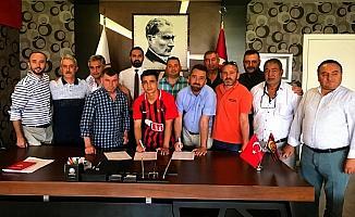Eskişehirspor, Buğra Çağlıyan'la profesyonel sözleşme imzaladı