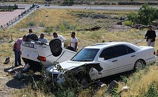 Kovalayıp çarptığı aracın sürücüsünü silahla öldürdü