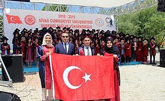 Suşehri'nde mezuniyet töreni