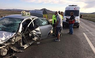 Ulaş'ta trafik kazası: 6 yaralı