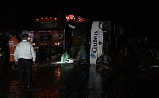 Yozgat'ta otobüs devrildi: 13 yaralı