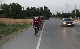 15 Temmuz şehitleri için pedal çeviriyorlar