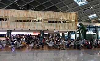 Anadolujet, İzmir-Ankara uçuşunu arıza nedeniyle iptal etti