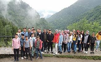 Karapınarlı gençler Rize'yi gezdi