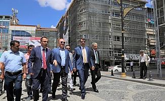 Sivas kent meydanındaki binalar tarihi dokuya uyarlandı