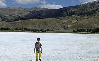 Tecer Gölü kurudu