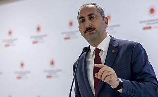 Abdülhamit Gül'den AK Parti'ye yakın yazarlara 'FETÖ' tepkisi