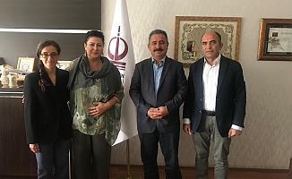 AYD Başkanı Burhan, Sabiha Akdemir'i Ziyaret Etti.
