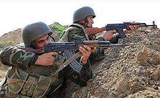 Azerbaycan-Ermenistan cephe hattında bir asker şehit oldu