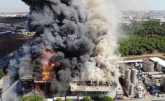 İstanbul Tuzla'da sanayi bölgesinde yangın yakıt tankı patladı yaralılar var