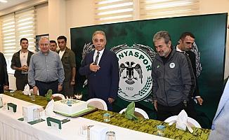 Konyaspor'dan Vali Toprak'a sürpriz