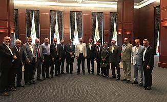 Özhaseki,  eski belediye başkanlarıyla bir araya geldi!