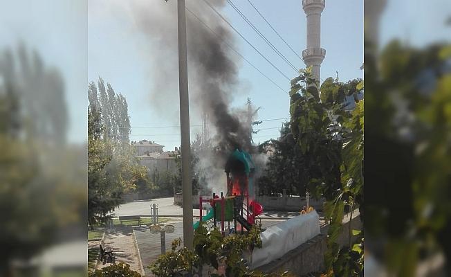 Aksaray'da çocuk parkında yangın
