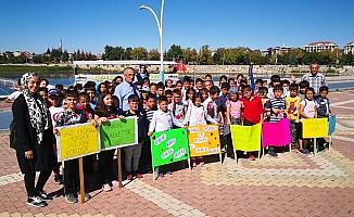 Beyşehir'de ilkokul öğrencileri sağlık için yürüdü