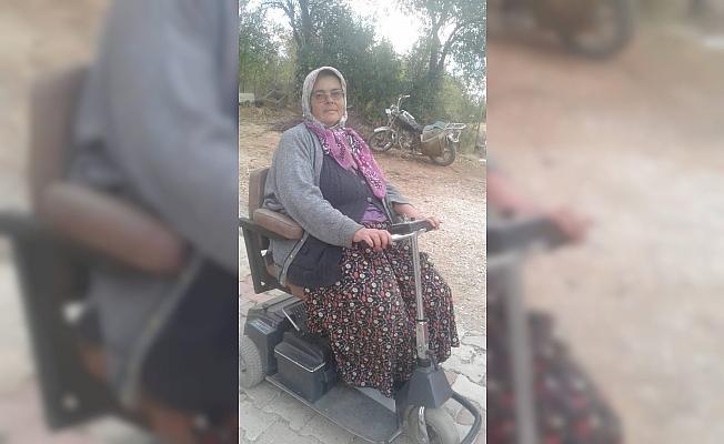 Beyşehir'in annelerinden engelli anneye akülü araba
