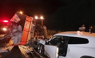 Çankırı'da otomobil traktörün römorkuna çarptı: 2 ölü, 1 yaralı