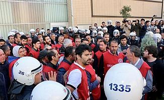 Eskişehir'de izinsiz gösteriye polis müdahalesi