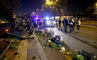 Otomobil sebze yüklü kamyonete çarptı: 2 yaralı