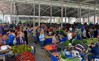 """Başkentteki sebze pazarında """"Kovid-19 talimatları"""" uygulanmaya başlandı"""