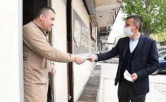 Altındağ Belediyesinden Siteler esnafına ücretsiz maske
