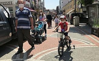 Başkentte 0-14 yaş aralığındaki çocuklar uzun süre sonra sokağa çıktı