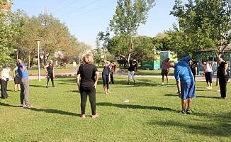 Çankayalılar parklarda antrenör eşliğinde spor yapacak