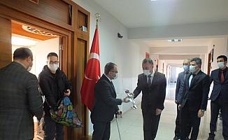Sivas'ta 24 Kasım Öğretmenler Günü kutlandı
