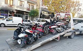 Ülke genelindeki denetimlerde 1336 motosiklet ve motorlu bisiklet trafikten men edildi