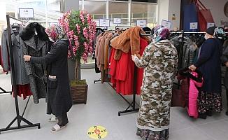 Yenimahalle'de Derman Market ilk misafirlerini ağırladı
