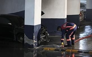 Başkentte sitenin kapalı otoparkındaki lüks araçta yangın çıktı
