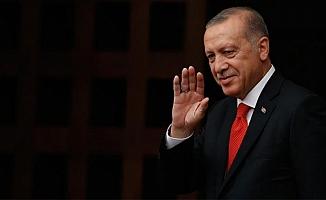 Cumhurbaşkanı Erdoğan'dan gençlere: Sahip çıkmak boynumuzun borcudur
