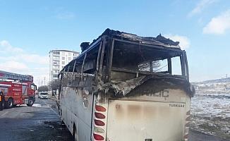 Kayseri'de seyir halindeki işçi servisi yandı