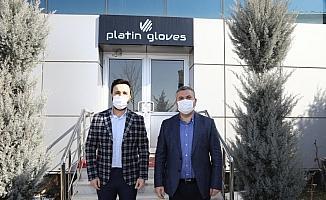 Çubuk Belediye Başkanı Demirbaş, kurulumu devam eden eldiven fabrikasını ziyaret etti