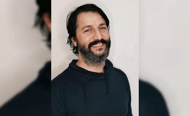 Komedyen İsmail Baki Tuncer ünlülerin seslerini taklit ederek Kovid-19 aşısının önemine dikkati çekti