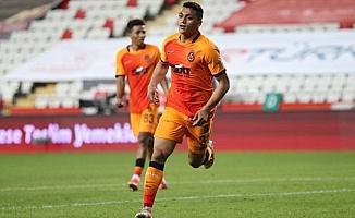 Galatasaray deplasmanda Mustafa Muhammed'in golüyle sevindi